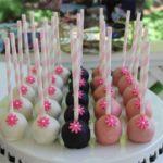 tickled-pink-cake-pops